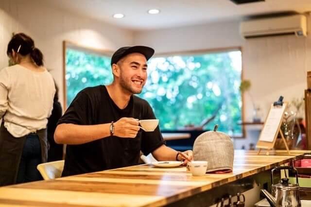 『cubano tea channel』料理と店内の メニュー ダージリン