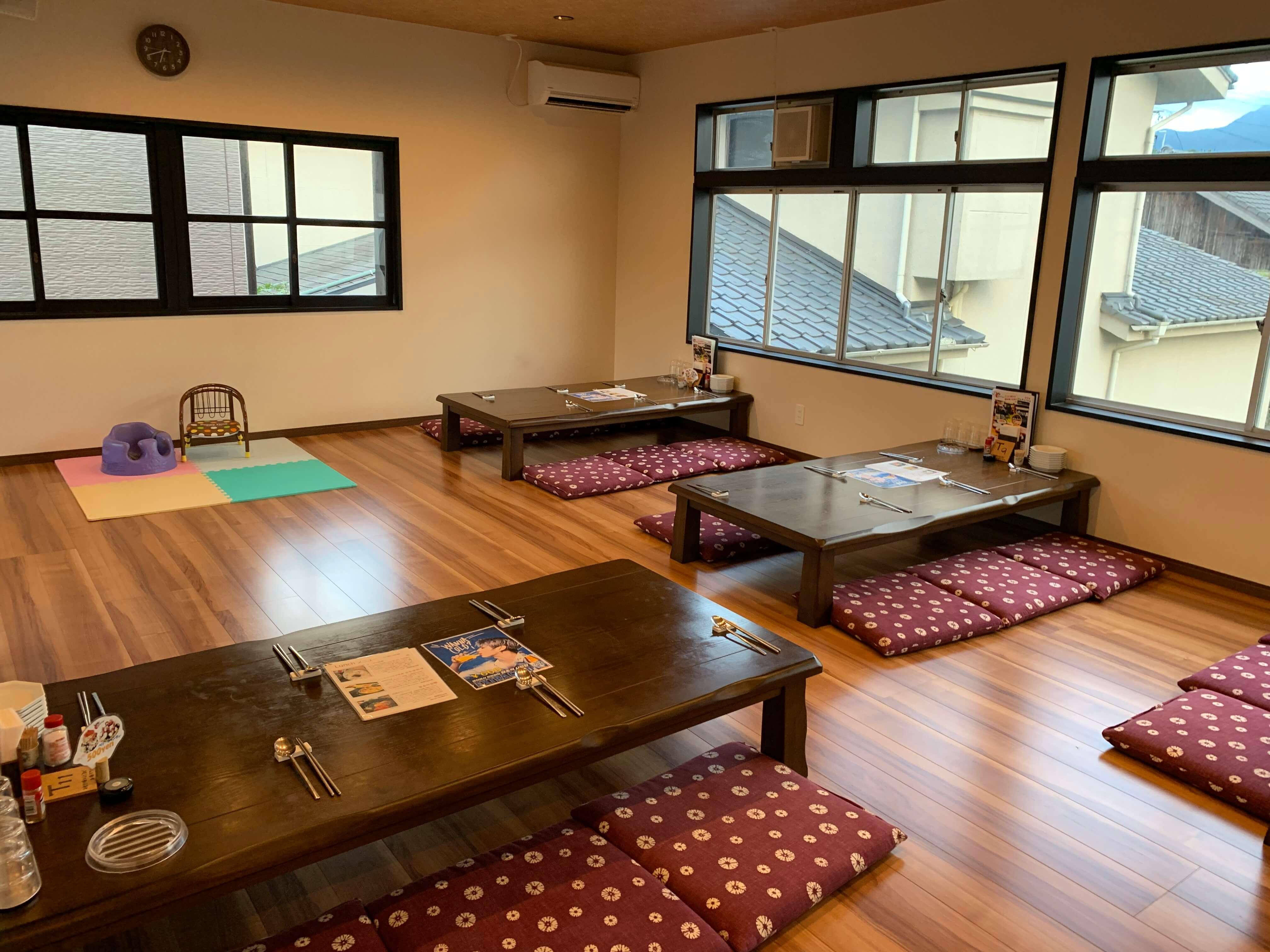 伊万里の韓国家庭料理『チングとここで』2階