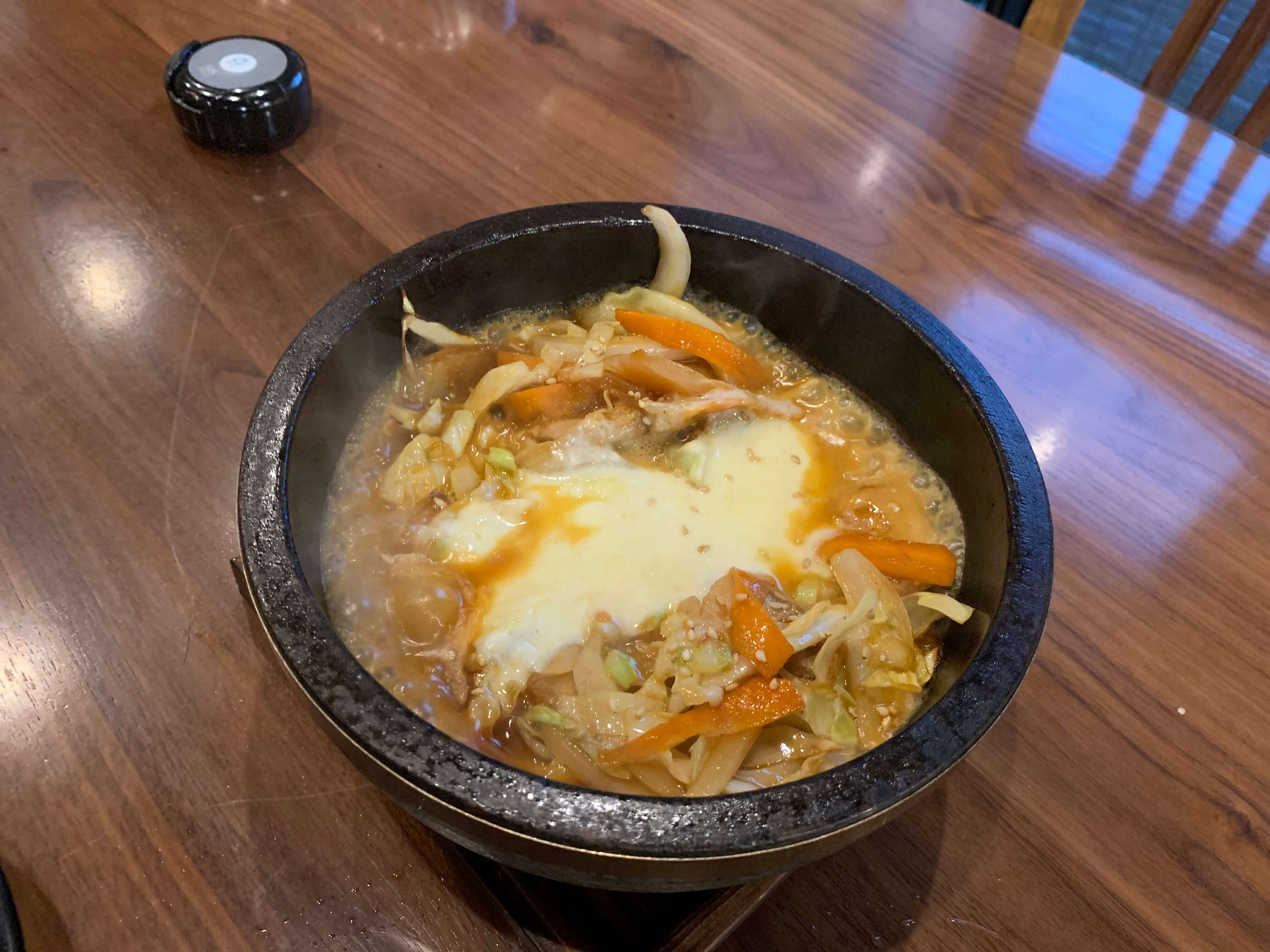 伊万里の韓国家庭料理『チングとここで』チーズタッカルビ
