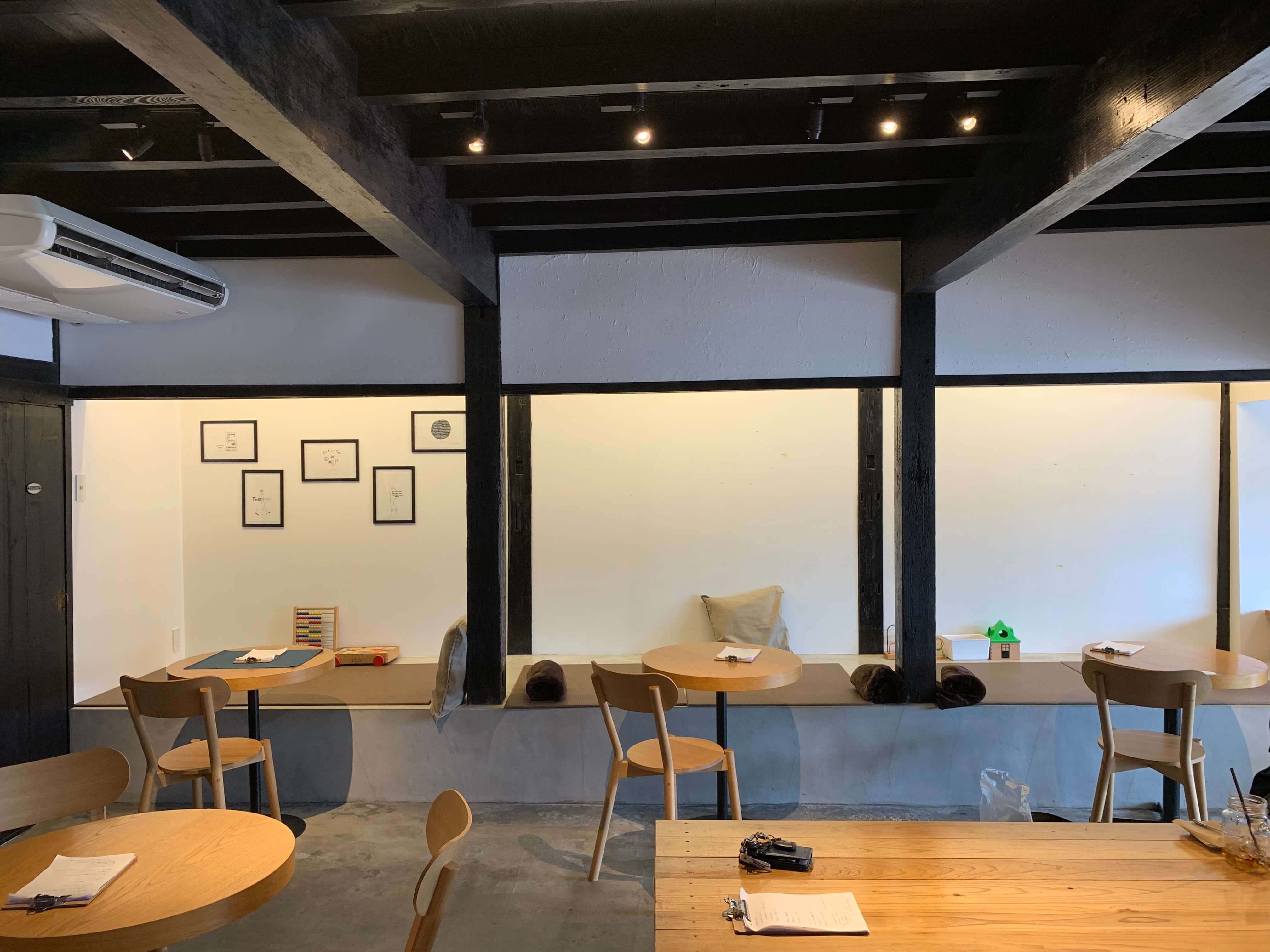 LIB Coffee 伊万里 店内